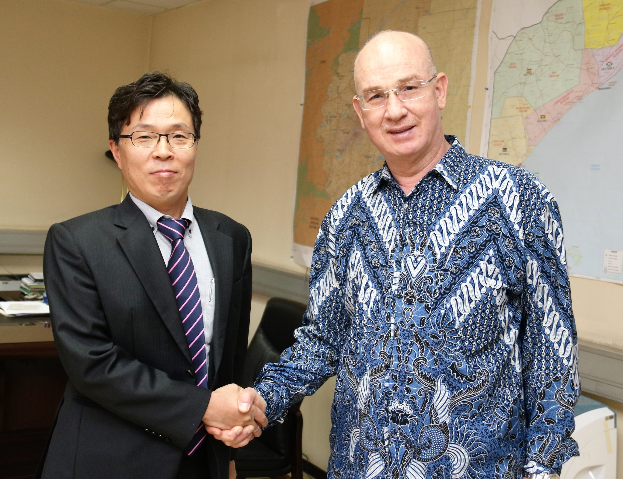 Amb. Smail Chergui and South Korean Ambassador to AU and Ethiopia, Amb. Kim Moonhwan
