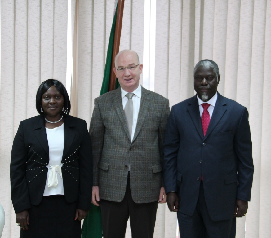 Commissioner for Peace and Security of the African Union meets with the ministers of foreign affairs and defense of Guinea-Bissau