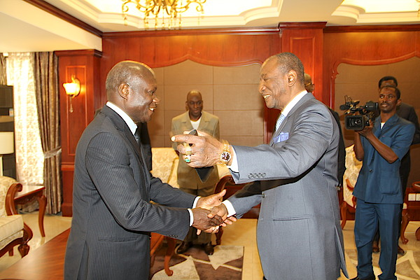 President Alpha Condé of Guinea Conakry and President José Mario Vaz of Guinea Bissau. President Condé  is ECOWAS Mediator in Guinea-Bissau.